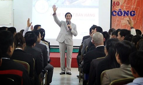Millions of Vietnamese involved in pyramid-scheme business
